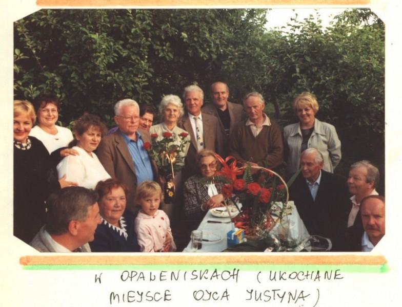 2003 kronika2_081-001