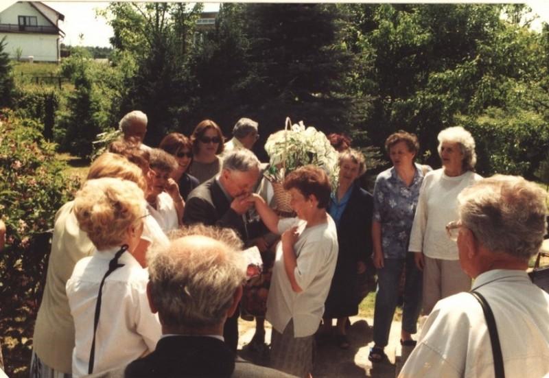 2003 kronika2_085-001